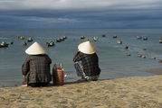 Лодка на берегу / Вьетнам