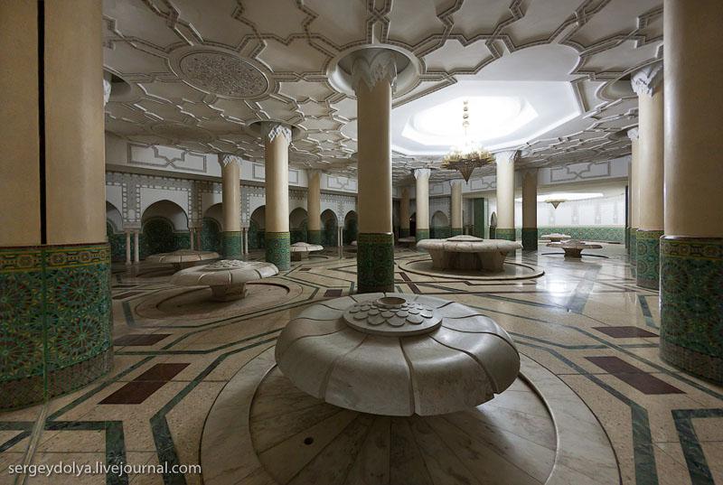 В мечети Хасана Второго в Касабланке, Марокко / Фото из Марокко