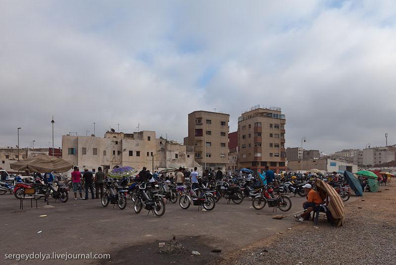 Рынок мопедов в Марокко / Фото из Марокко