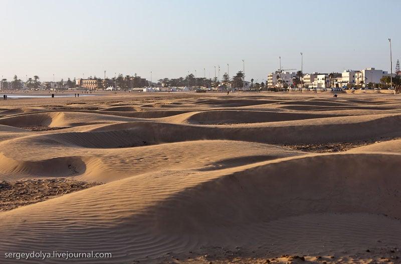 Пляж у города Эс-Сувейра, Марокко / Фото из Марокко