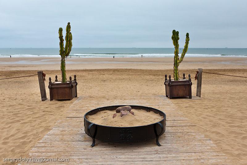 Пляж перед отелем Sofitel в Марокко / Фото из Марокко