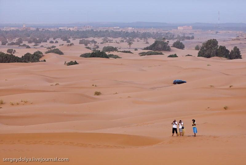 Туристы в пустыне Сахара, Марокко / Фото из Марокко