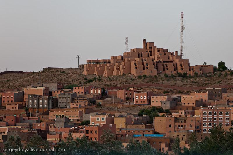 Гостиница в Атласских горах / Фото из Марокко