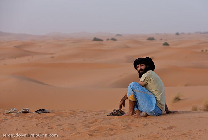 Бербер в пустыне Сахара / Фото из Марокко