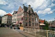 Угловой дом / Бельгия