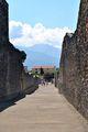 По древней улице / Италия