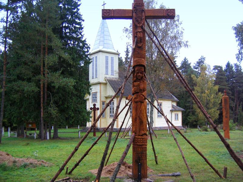 Кресты посреди леса, Литва / Фото из Литвы