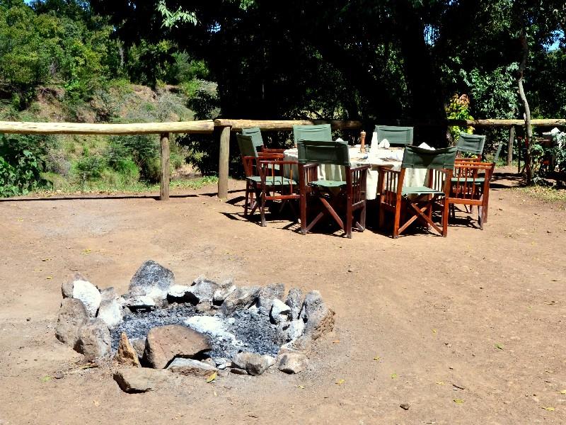 На территории кемпинга в Кении / Фото из Кении