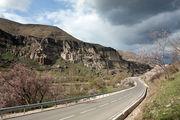 Дорога к пещерам / Грузия