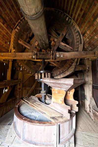 узнайте водяная мельница 19 века продам жернова учебные
