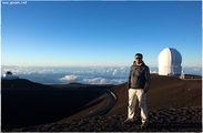 На фоне обсерватории / США