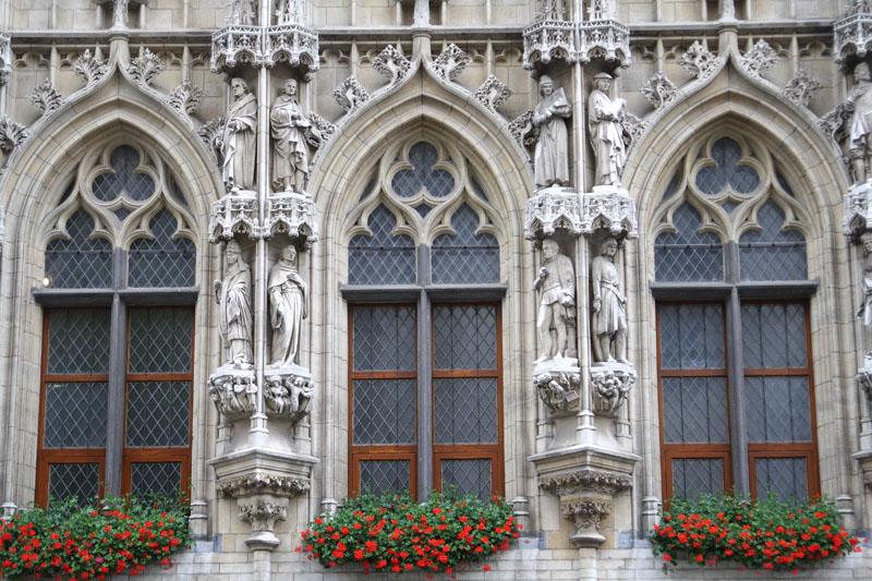Фрагмент ратуши в Лёвене / Фото из Бельгии