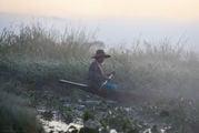 Девушка озерного народа инта / Мьянма