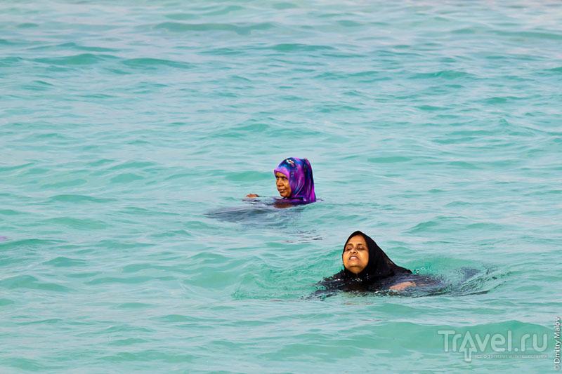 Купальщицы на Мальдивах / Фото с Мальдив