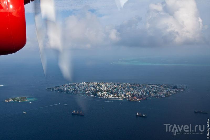 Вид на Мальдивы из иллюминатора самолета / Фото с Мальдив