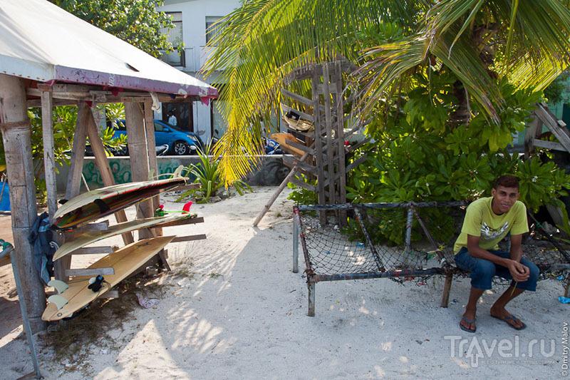 Серфингист на Мальдивах / Фото с Мальдив
