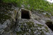 Вход в пещеру / Украина