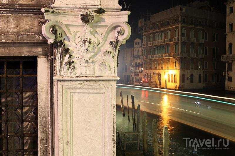 Угол дома - отличный объект для фотографирования / Фото из Италии