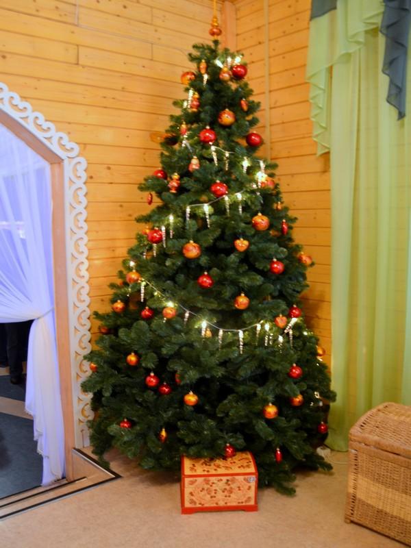 Ёлка в резиденции Деда Мороза / Фото из России