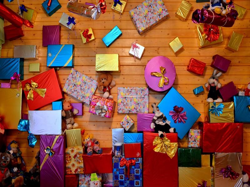 Коллекция подарков в доме Деда Мороза / Фото из России