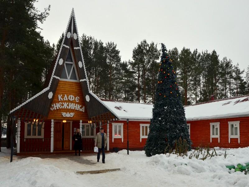 """Кафе """"Снежинка"""" в вотчине Деда Мороза / Фото из России"""