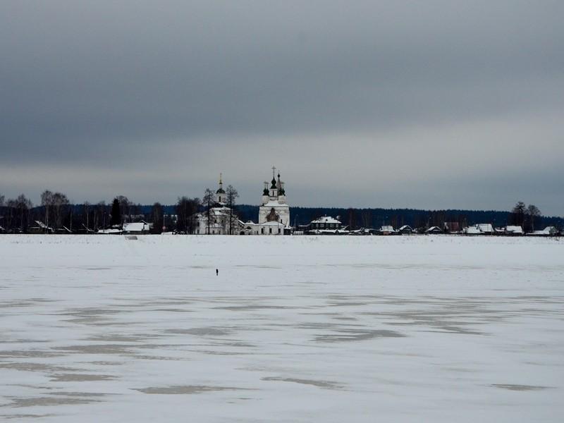 Троице-Гледенский монастырь на слиянии рек Сухоны и Юга / Фото из России