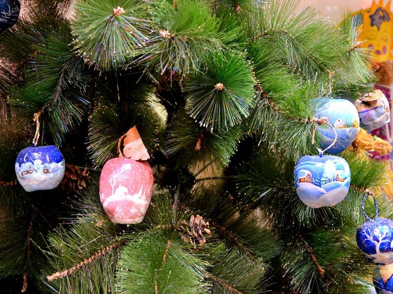 Ёлка в городской резиденции Деда Мороза / Фото из России