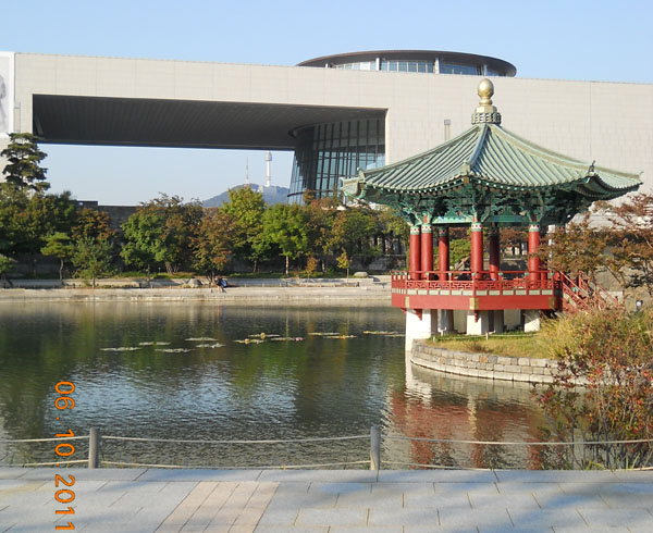 Здание Национального музея в Сеуле / Фото из Южной Кореи