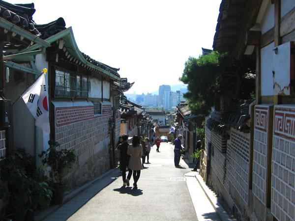 Традиционные корейские дома ханоки в Сеуле / Фото из Южной Кореи