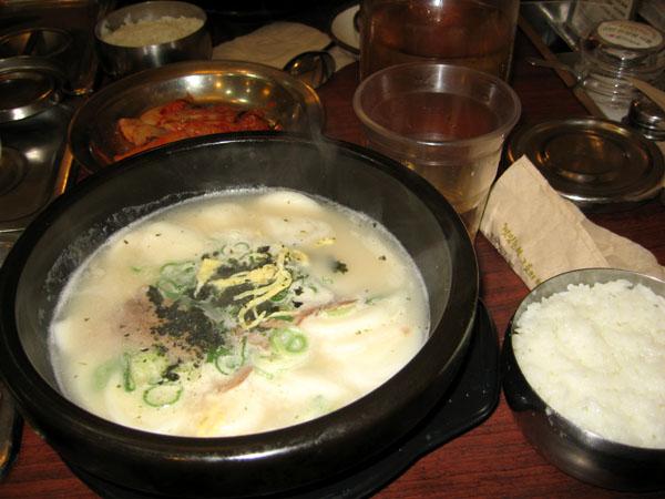 Суп с пельменями в корейском ресторане / Фото из Южной Кореи