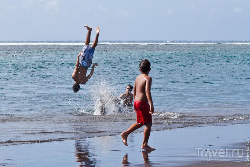 Мальчики с Таити / Фото из Французской Полинезии