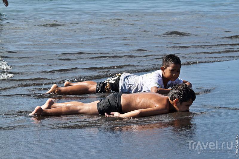 На пляже, Таити / Фото из Французской Полинезии