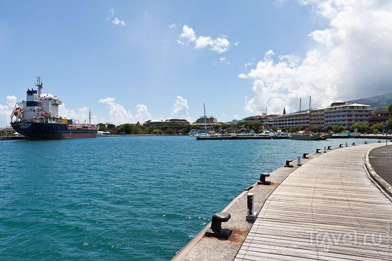 Порт на Таити / Фото из Французской Полинезии