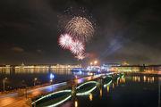 Фейерверк над Биржевым мостом / Россия