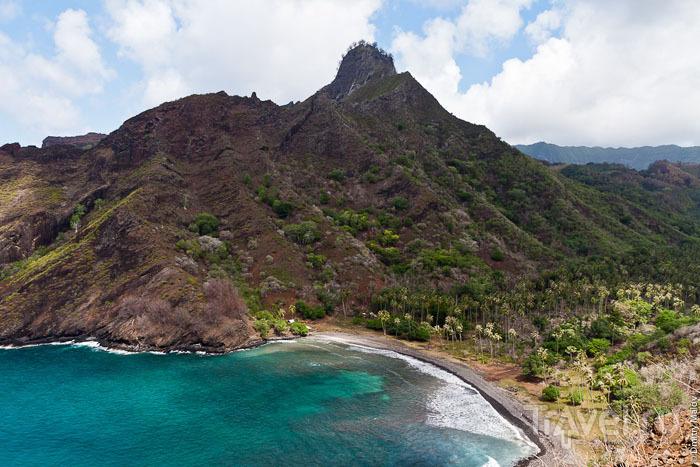 Побережье острова Хива-Оа / Фото из Французской Полинезии