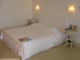 Белая кровать / Греция
