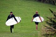 Одноногий серфер / Новая Зеландия