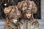 Позирующие маски / Италия