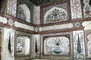 Внутри мавзолея / Индия