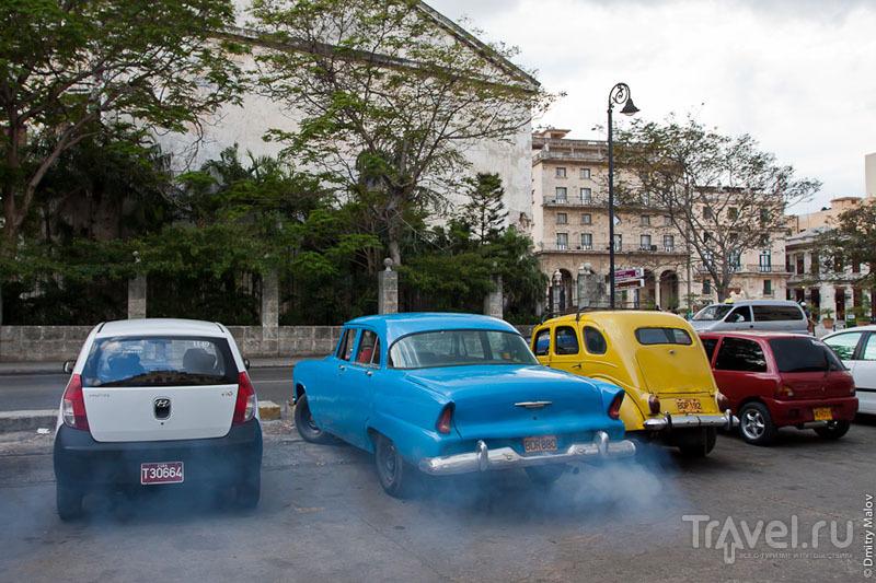 Автомобили в Гаване, Куба / Фото с Кубы