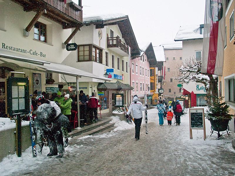 Улочка в центре Целль-ам-Зее / Фото из Австрии