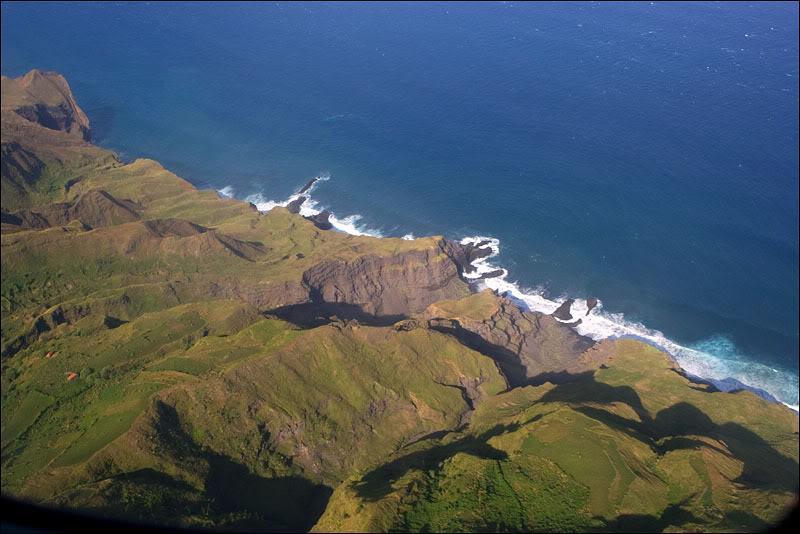 Береговая линия острова Фогу, Кабо-Верде / Фото из Кабо-Верде