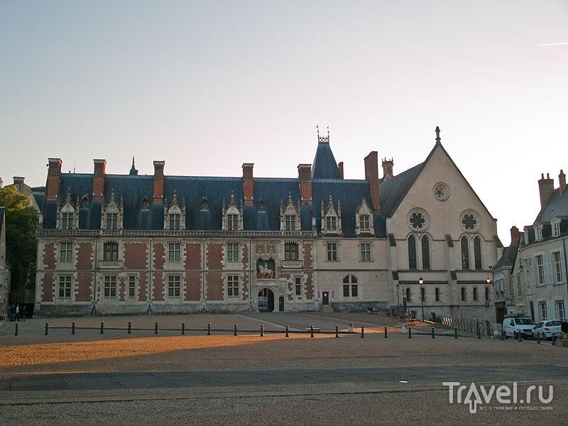Замок в Блуа на закате / Фото из Франции