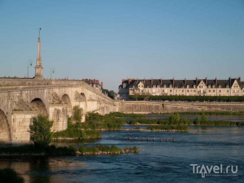 Мост через Луару в Блуа / Фото из Франции
