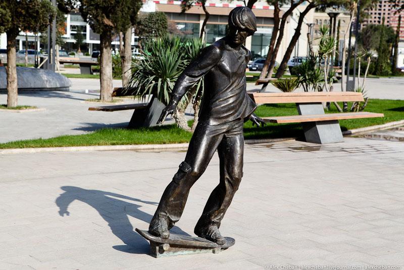 Скульптура в Баку / Фото из Азербайджана