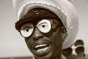 Персонаж в очках / Испания
