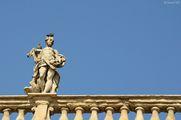 Скульптура и птицы / Италия