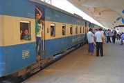 Пригородный поезд / Бангладеш