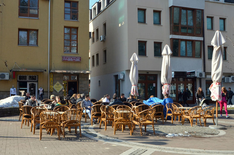 Кафе в городе Врнячка-Баня, Сербия / Фото из Сербии