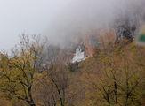 Похож на сказочный замок / Черногория